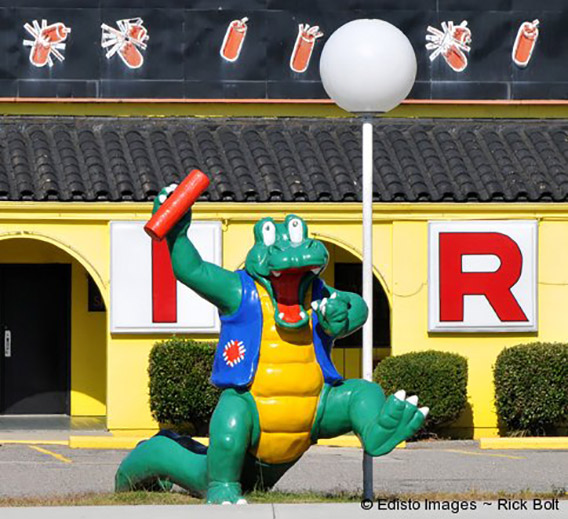 new_alligator-south-of-the-border-animal-statues