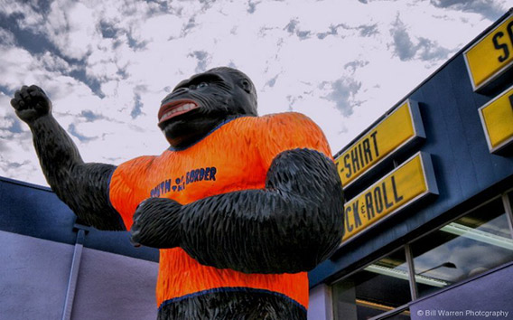 new_giant-gorilla-2-south-of-the-border-animal-statues