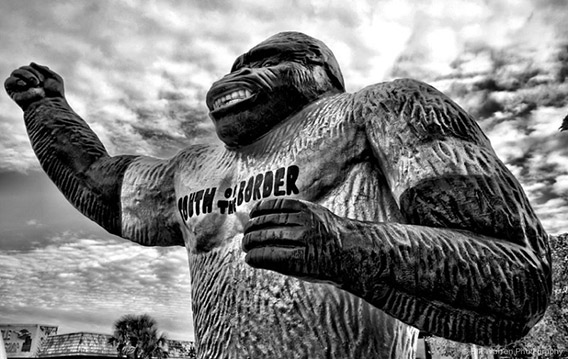 new_giant-gorilla-south-of-the-border-animal-statues